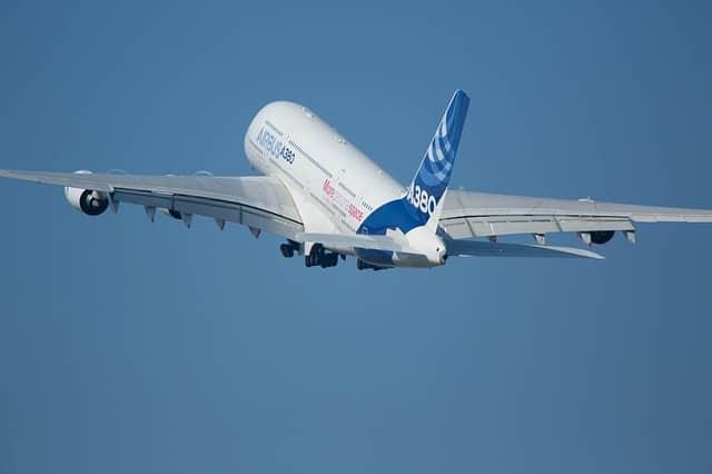 Airbus A380 огромни самолети