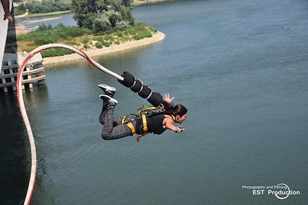Какво да очакваме от скока с бънджи?