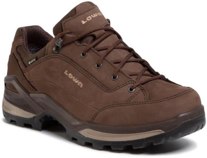 Туристически обувки избор