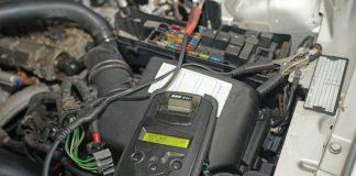 как се зарежда акумулатор